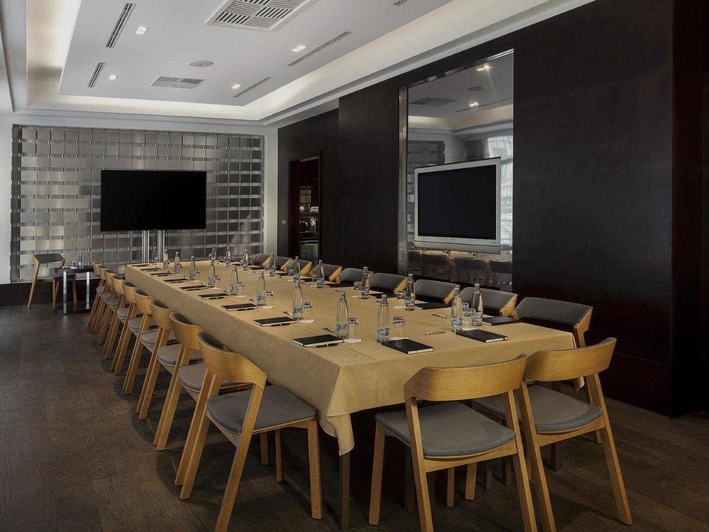 inForm Restaurantmöblierung